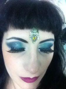 Blue glitter stage eyes.